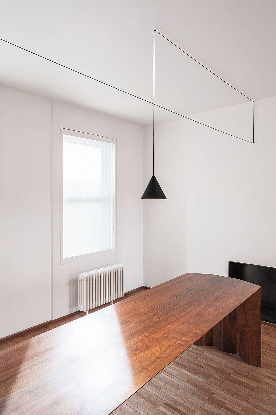 Красивый подвесной светильник в кабинете