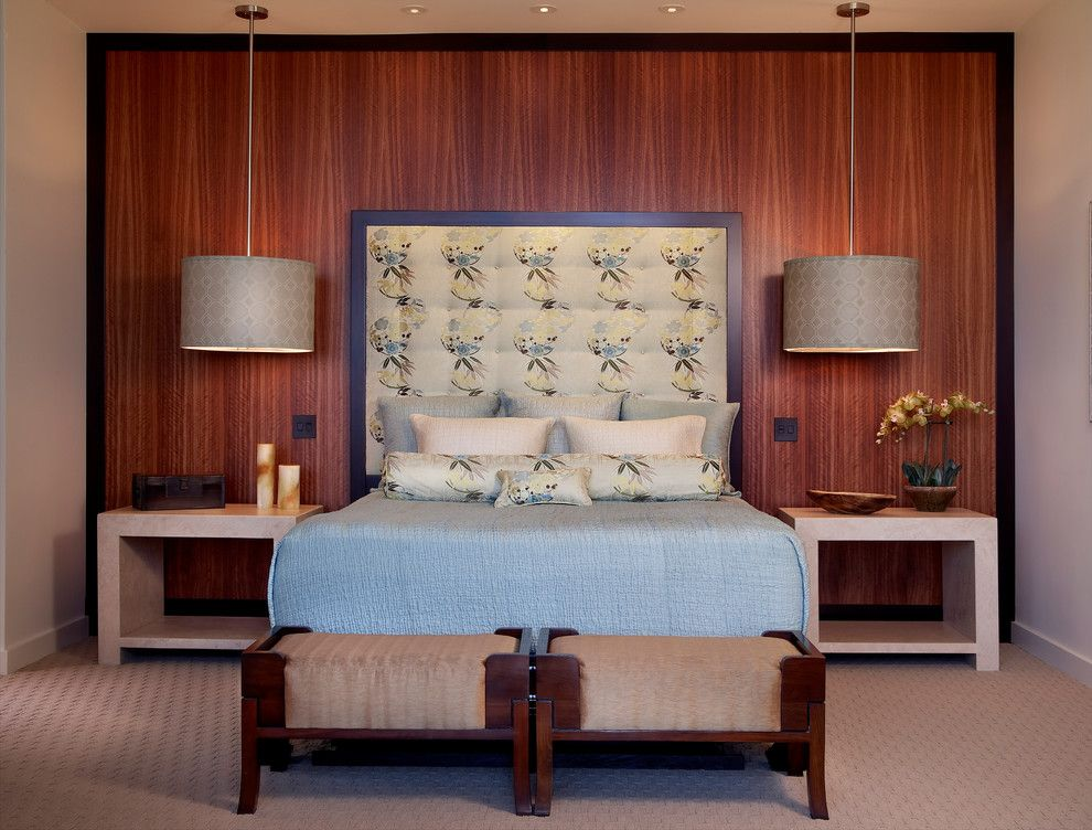 Большие подвесные светильники в интерьере спальни от GDC Construction