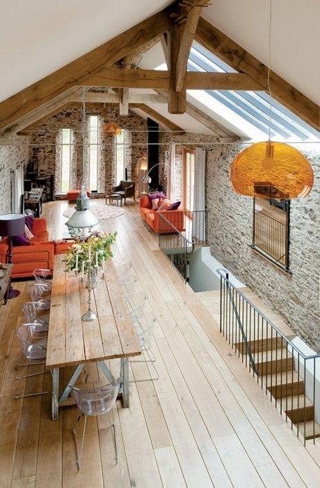 Интересный пример декорирования пространства под чердаком - оптимизировано и благоустроено.
