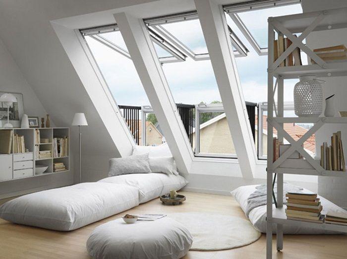 Спальня с красивым интерьером, что станет просто лучшим вариантом для оформления комнаты под чердаком.