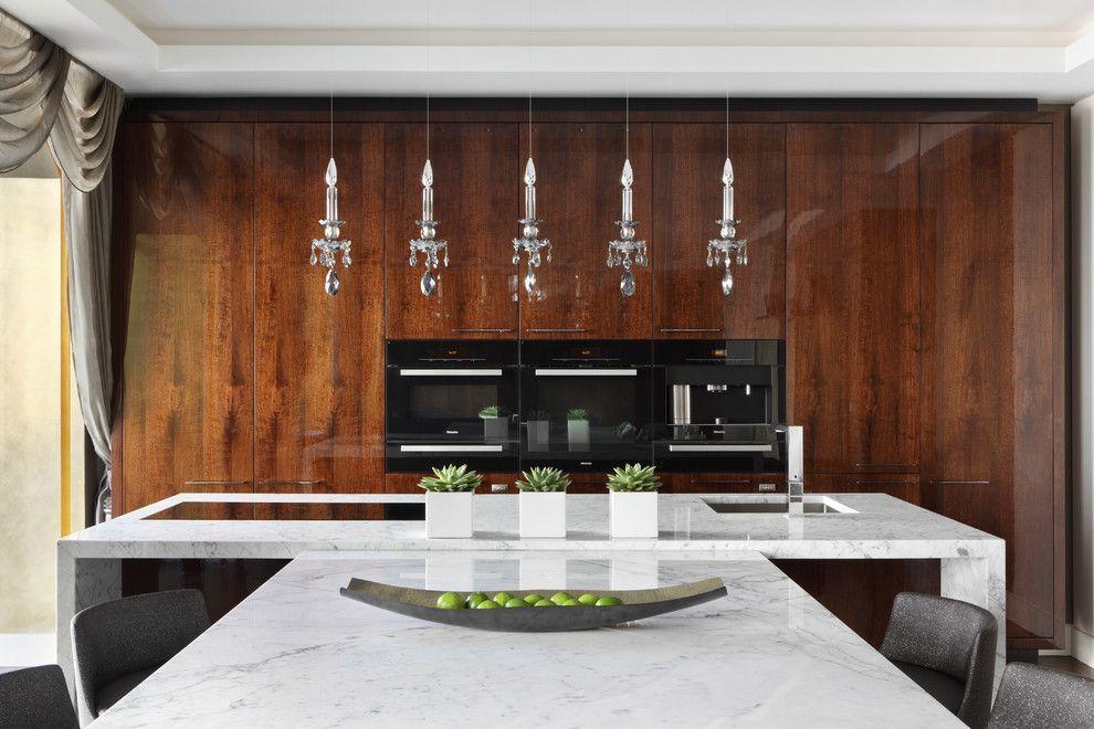 Шикарные подвесные светильники в интерьере кухни