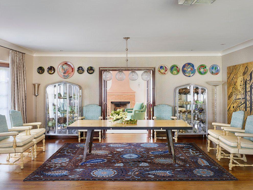 Шарообразные люстры в интерьере столовой