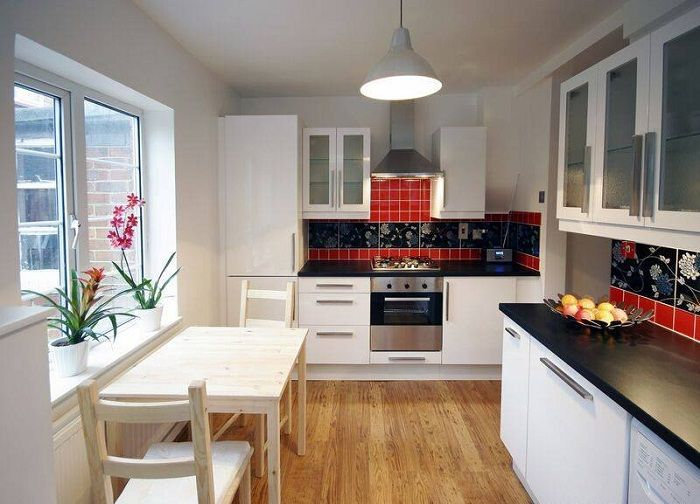 Вдъхнете нов живот в кухнята е възможно, като използвате класически тонове.