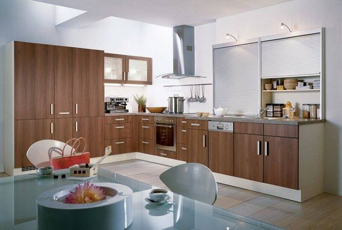 Деревянный интерьер кухни, что однозначно вдохнет современных ноток в декор.