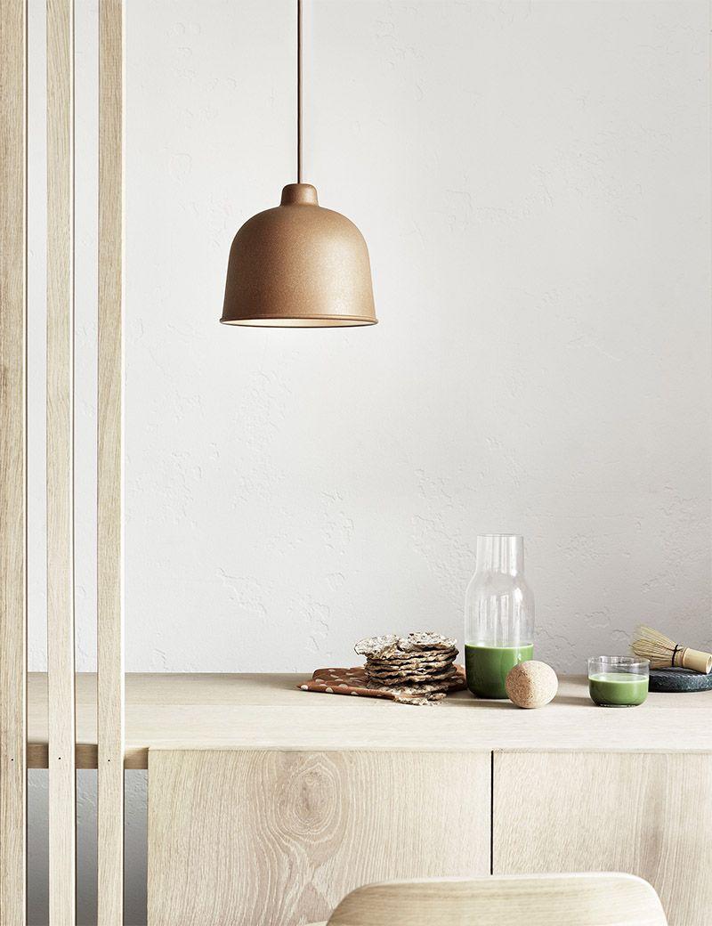 Нежно-коричневый подвесной светильник для комнаты