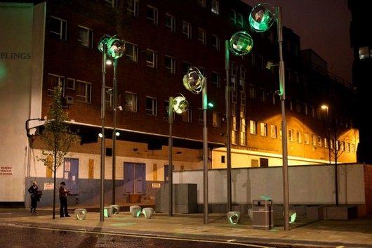 Чудесная стулья с подсветкой на улице