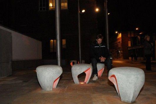Удивительные стулья с подсветкой