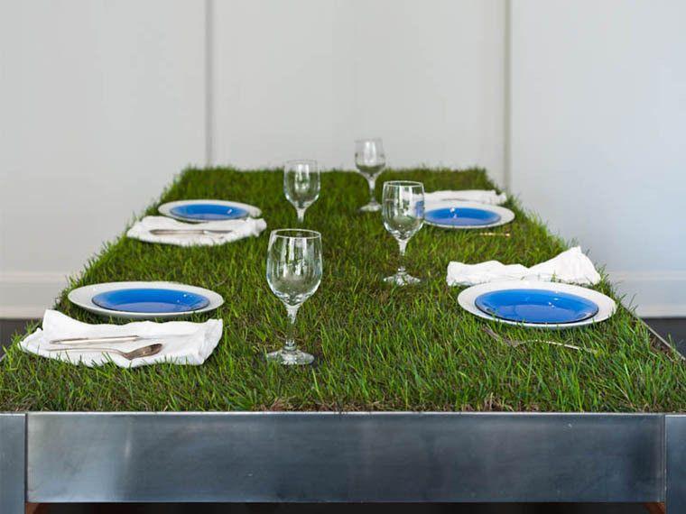 Plantet gress på spisebordet