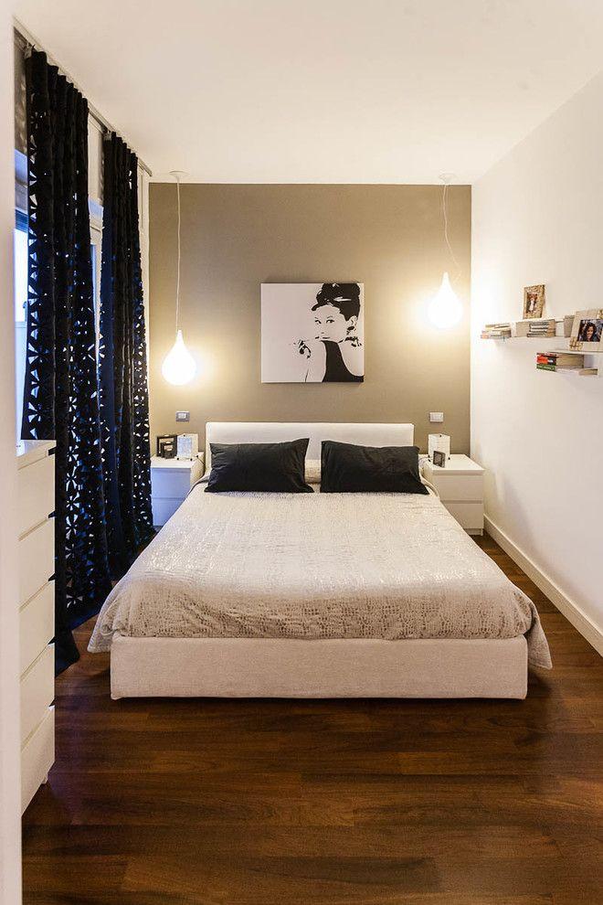 Лампы без абажура в интерьере спальной комнаты