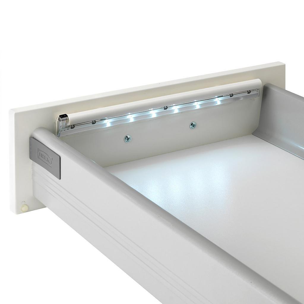 Подсветка ящика с помощью светодиодной лампы
