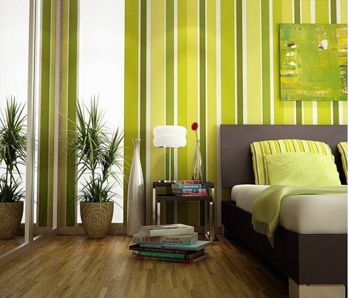 Salon w jasnozielonych kolorach.