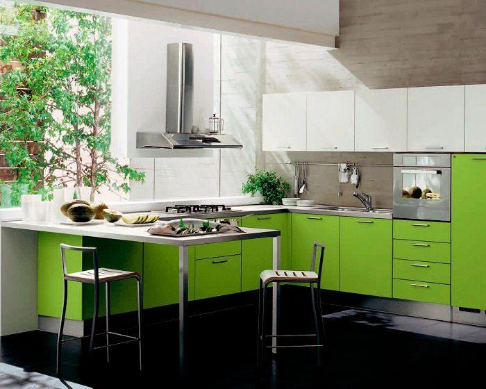 Dekoracja kuchni w jasnozielonym kolorze to zawsze dobry nastrój.