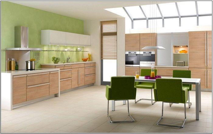 Przytulną atmosferę w kuchni tworzą jasne elementy dekoracyjne.
