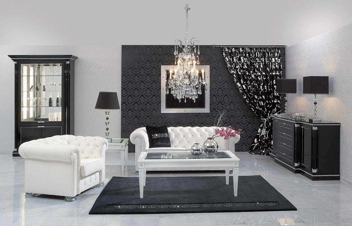 Интересный интерьер создан благодаря классическому оформлению пространства в черно-белых тонах.