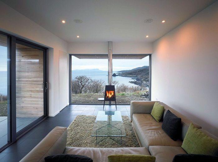 Красивый интерьер гостиной, что исполнен в оптимальных тонах.