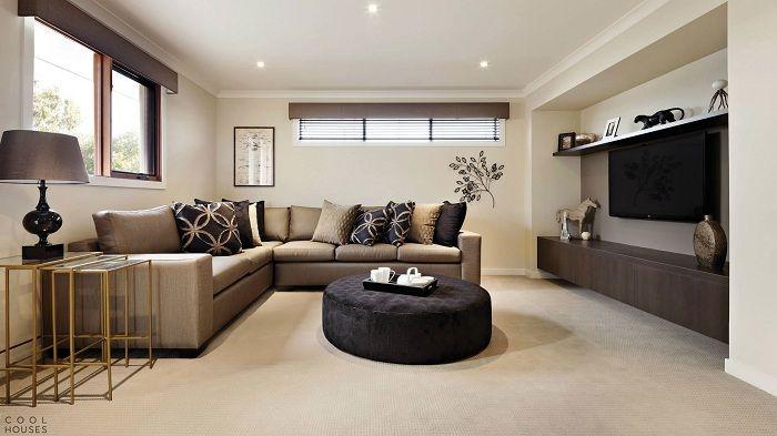 Красивый интерьер гостиной создан с помощью нежных бежево-сливочных тонах, что впечатлит.