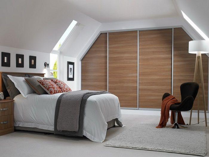 Хороший пример оформления компактной и комфортной спальной, что станет находкой.
