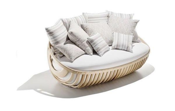 Ihana sohva patio-tyynyillä
