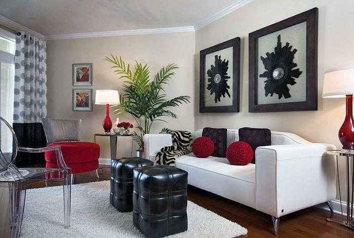 Може би един от най-добрите варианти за декориране на интериора на мъничка всекидневна в класически цветове.