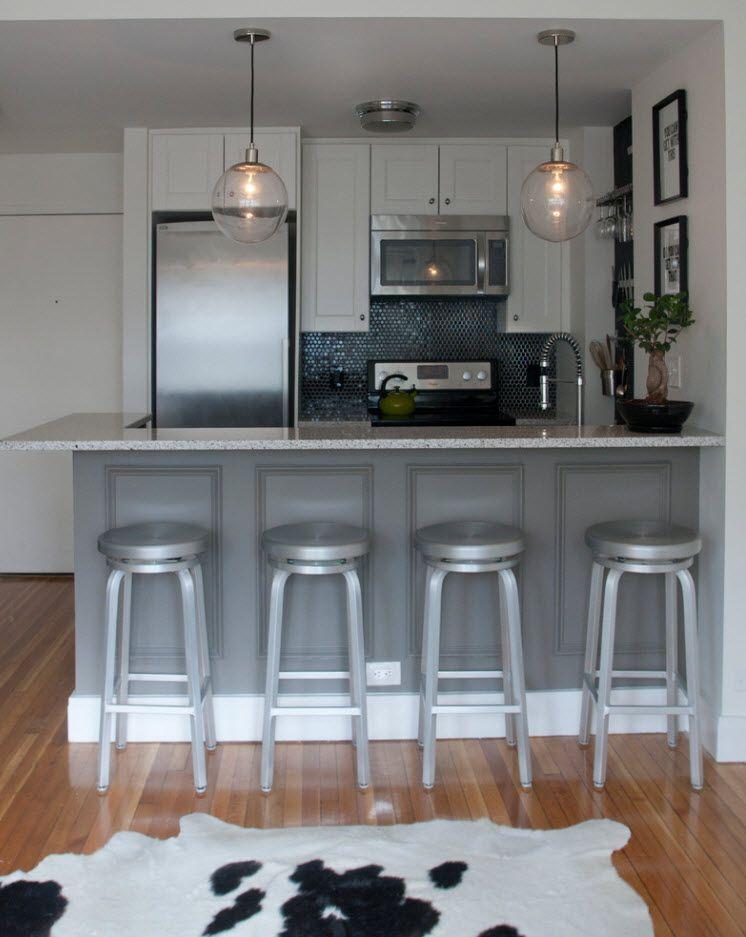 Кухня в бели и сиви тонове
