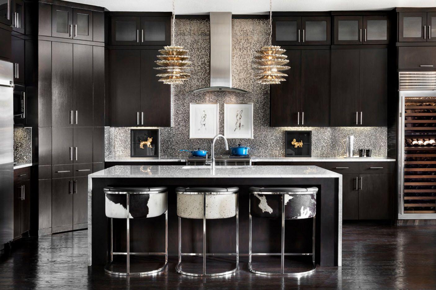 Кухня в тъмен цвят