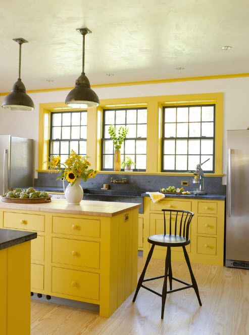 Hjørnesofa i kjøkken-spisestue-stue
