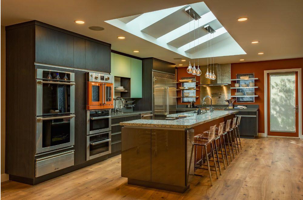 Кухня в тъмни цветове