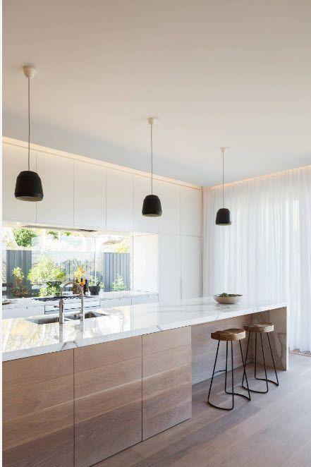 Lysbilde av kjøkkenet