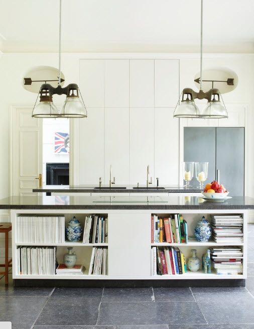 Открытые полки кухонного острова