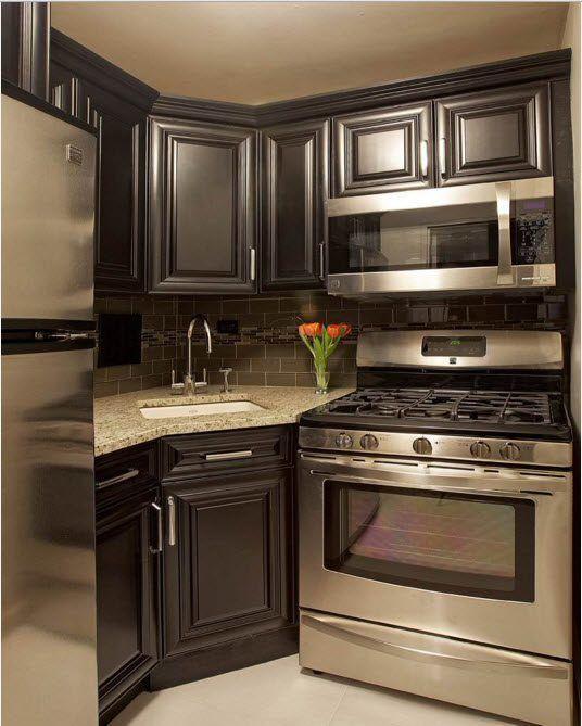 Kjøkken i mørke farger