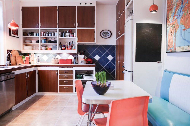 В кухня с кът за сядане
