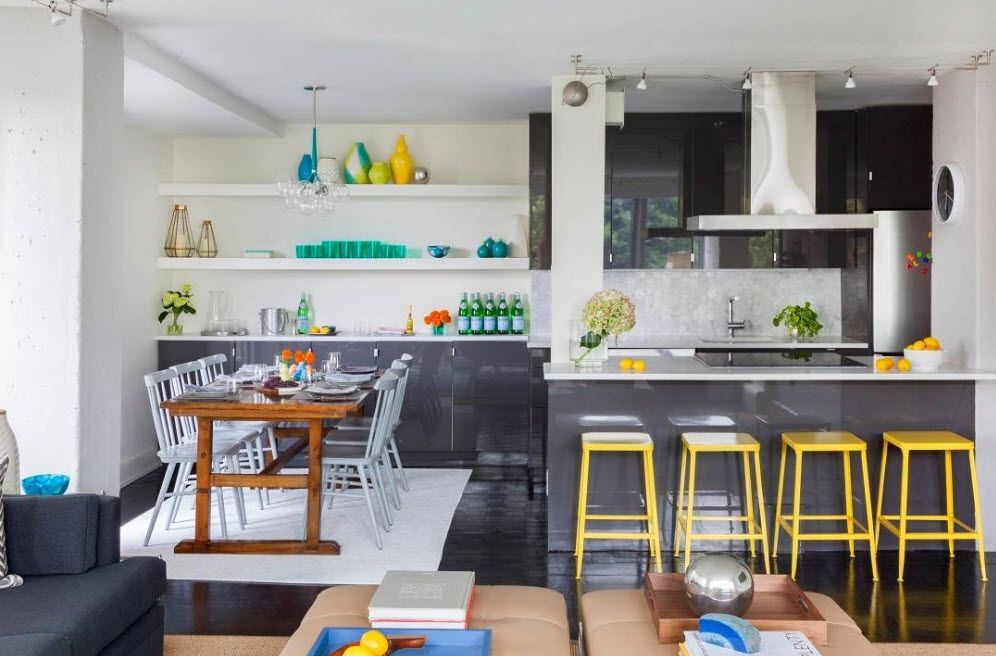 Кухня-трапезария-хол