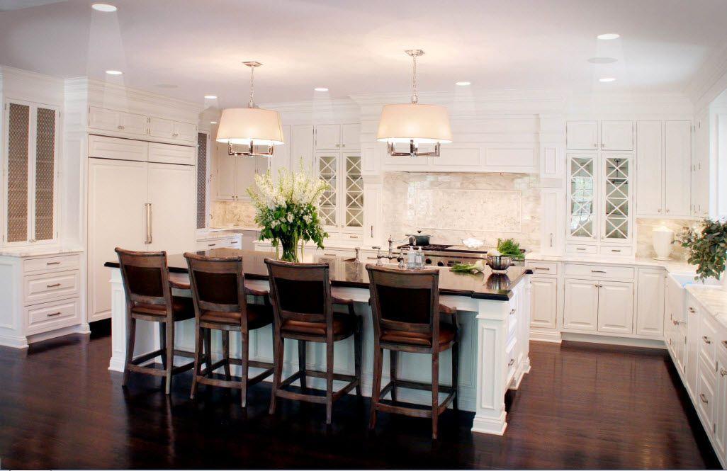 Для просторного кухонного помещения