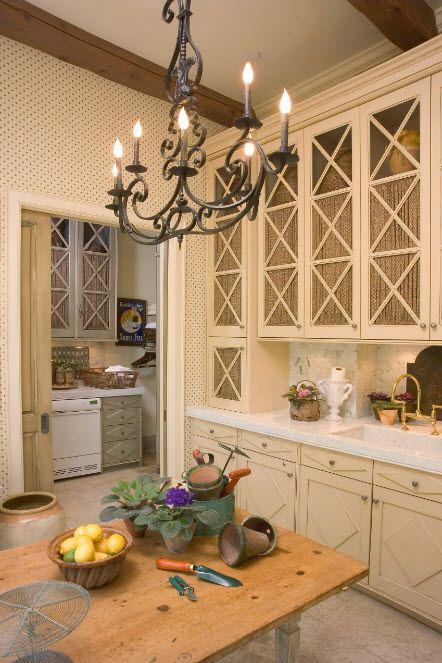 Драперия за кухненски шкафове