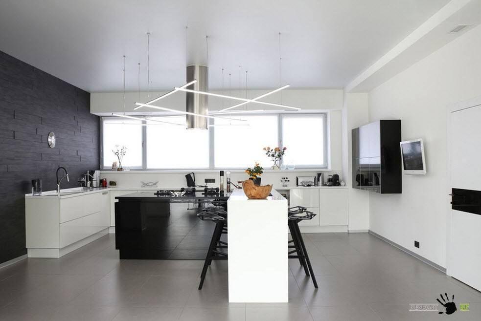 Бял и черен интериор на кухнята