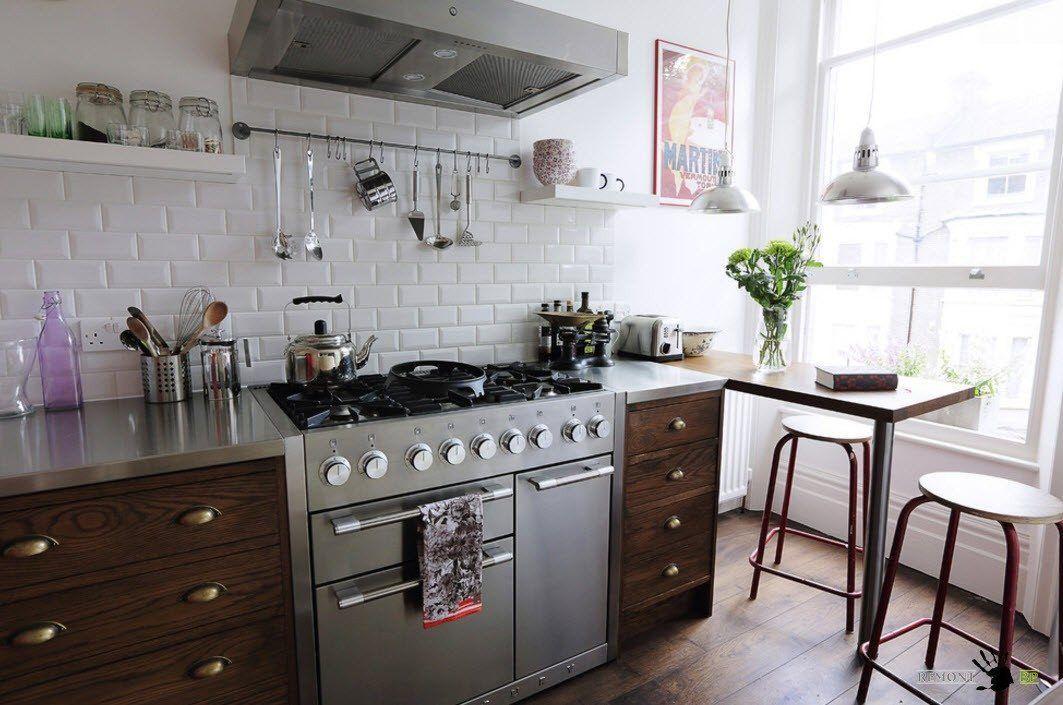 Бяла облицовка за малка кухня
