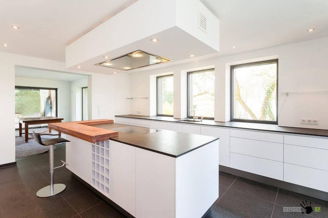 Белоснежные кухонные фасады