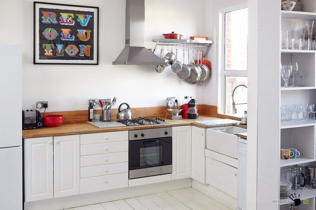 Бели фронтове за малка кухня