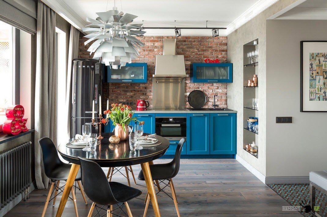 Ярки цветове за малка кухня