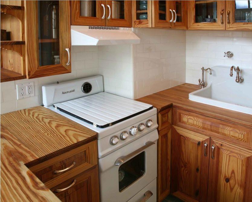 Дървени мебели за кухня