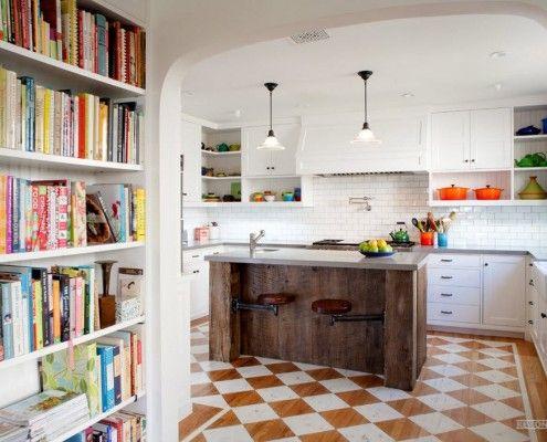 Контраст на полу кухни