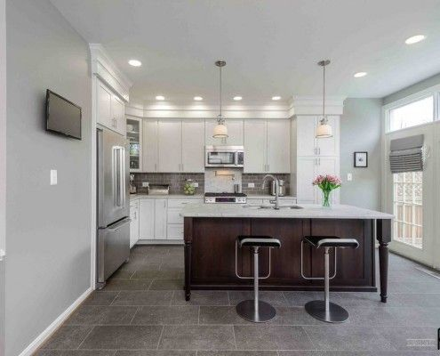 Естествен нюанс на плочки на кухненския под