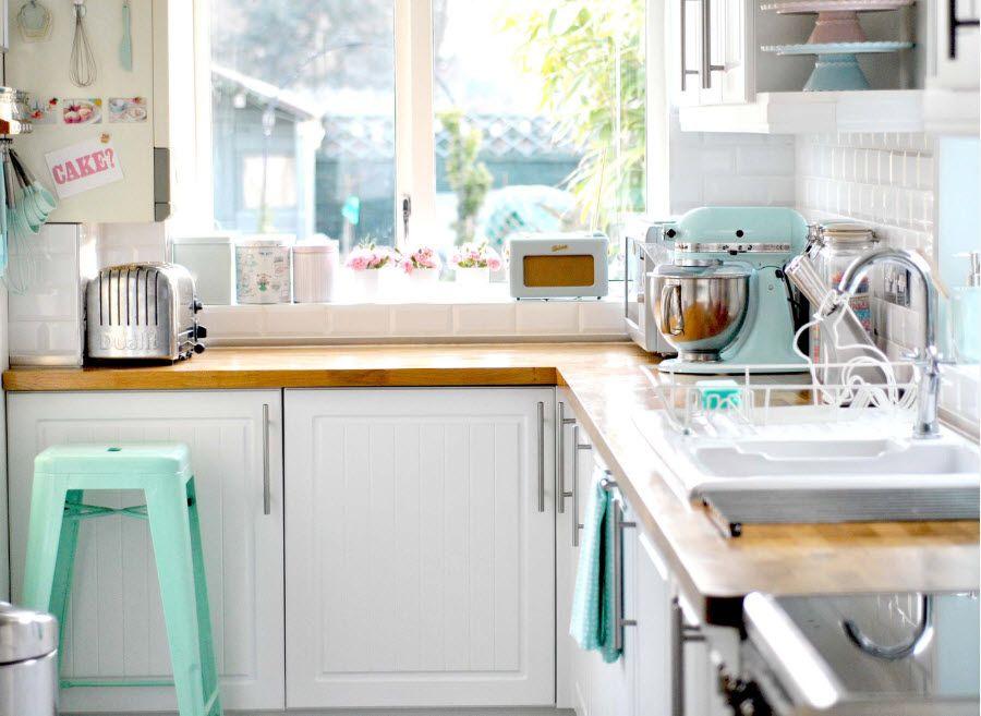 Кухонный стеллаж как перегородка