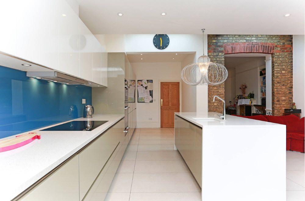 Полки под цвет кухонных фасадов