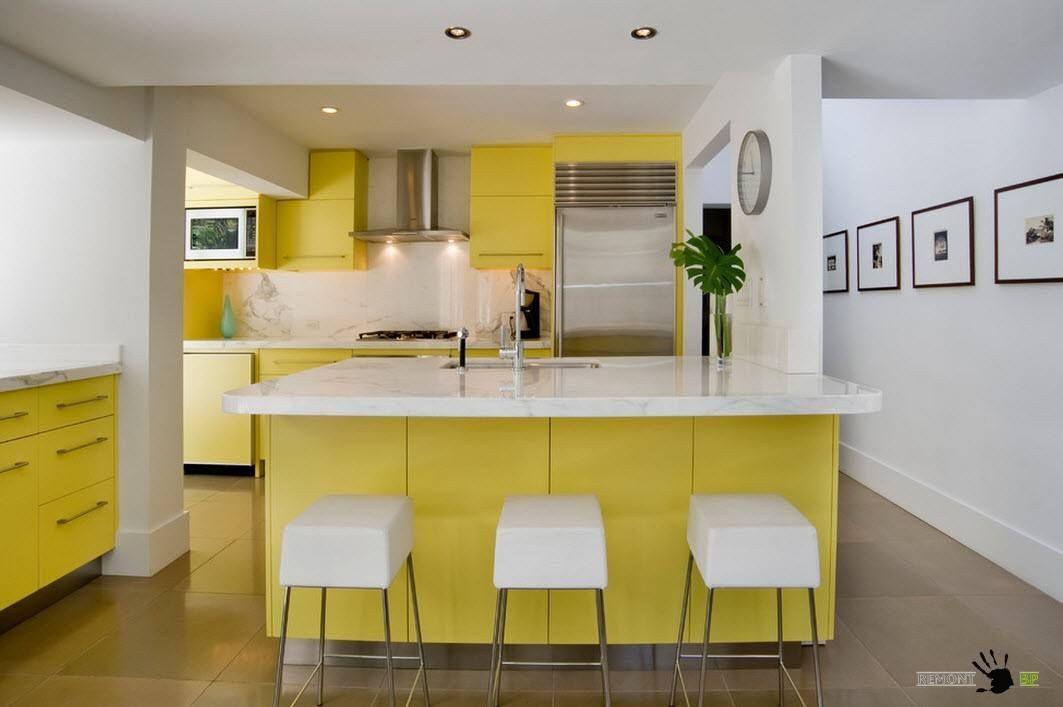 Hvit og gul design