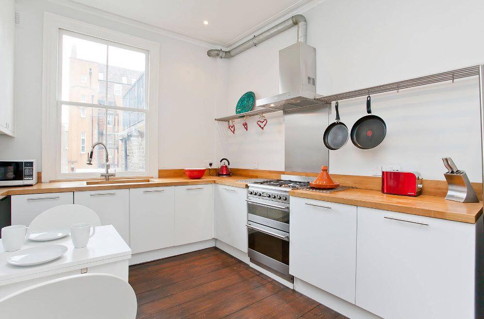 Качулка за готварска печка в модерна кухня