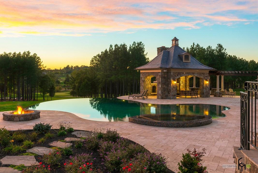 Къща с езеро