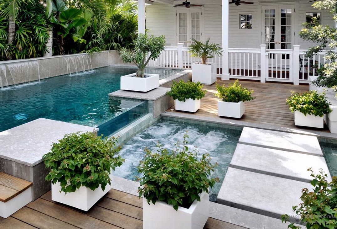 Эффектный дизайн открытого бассейна