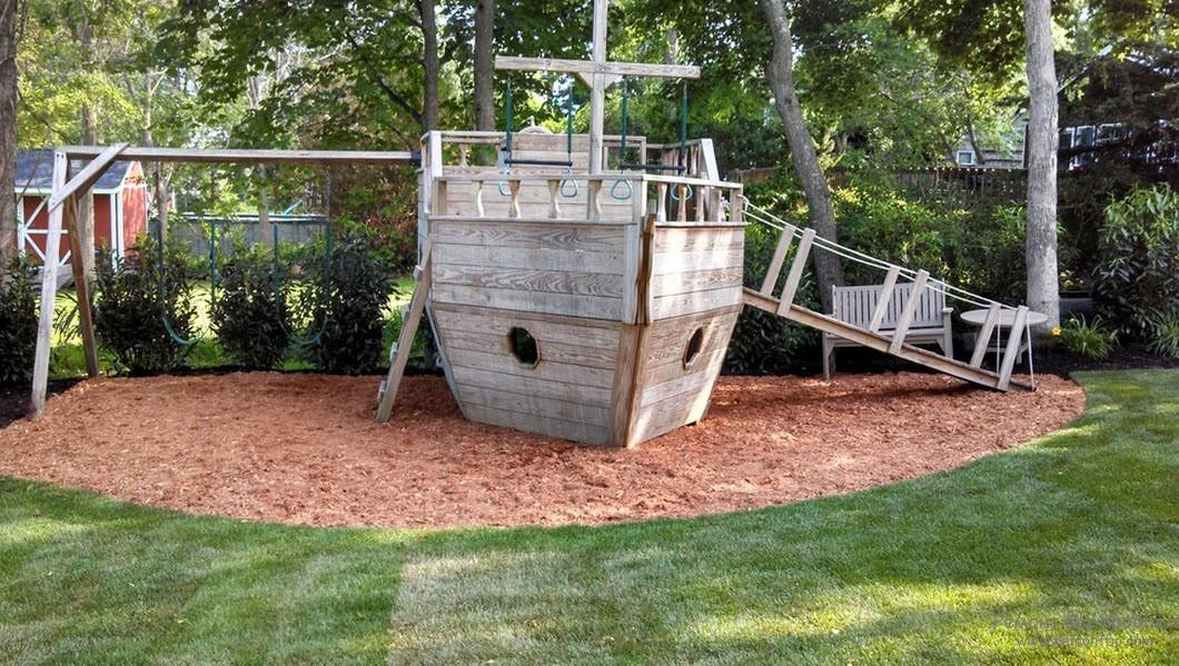 Оригинальный детский корабль из дерева