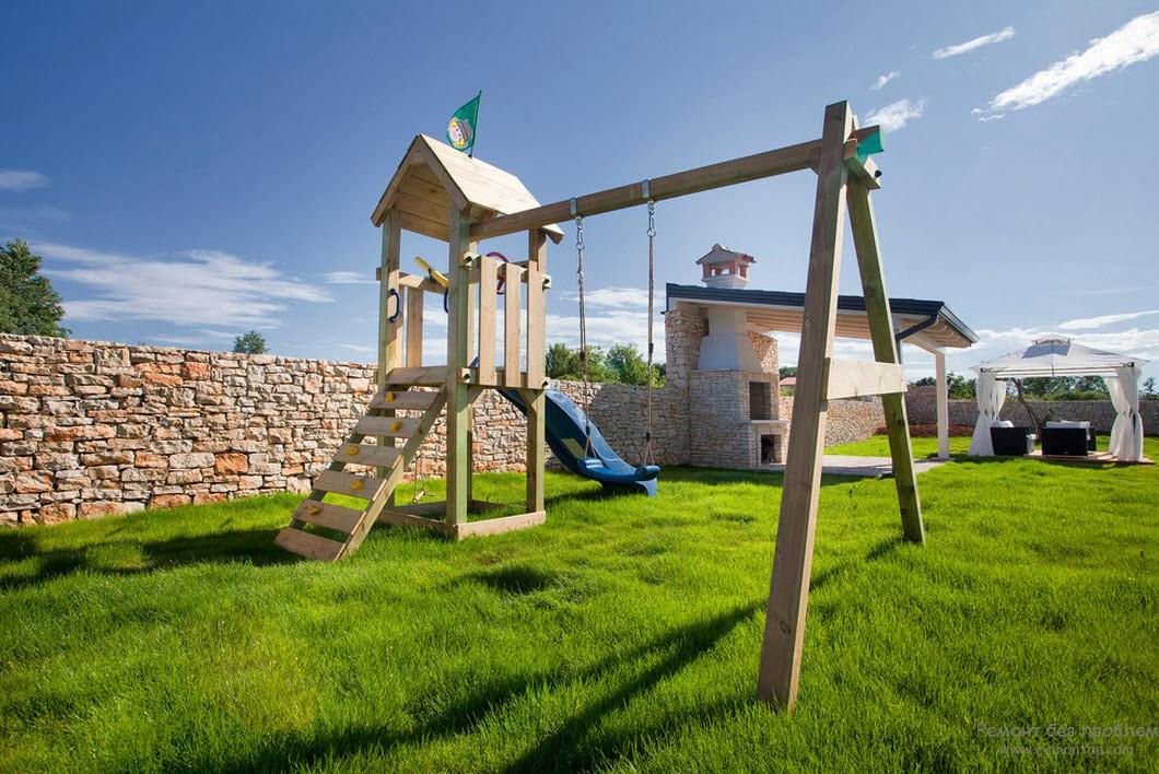 Дизайн детской площадки на территории просторного двора